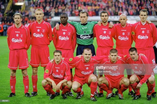 Liverpool line up for the UEFA Cup Final against Deportivo Alaves
