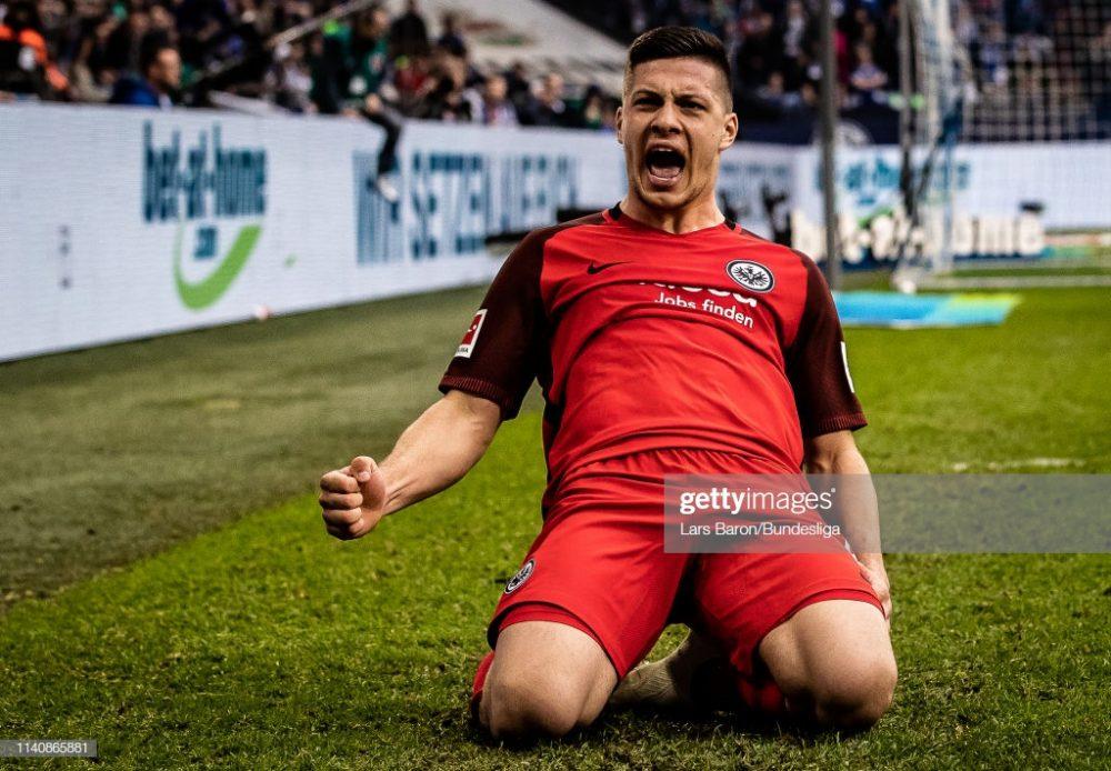 Luka Jovic of Frankfurt celebrates