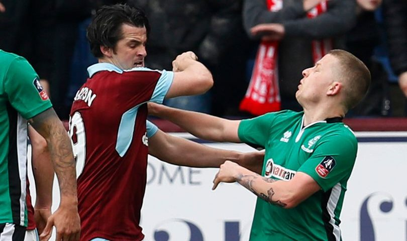 Joey-Barton-fight
