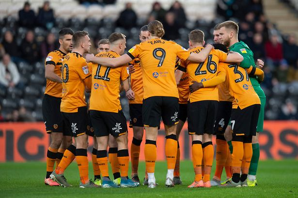 hull city players at the field