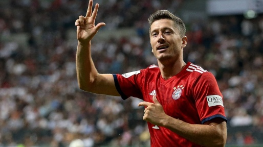 robert-lewandowski-fc-bayern-munich-celebrates-goal