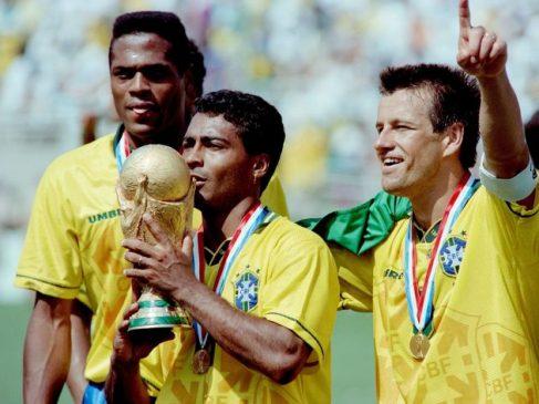 romario celebrates world cup 1994