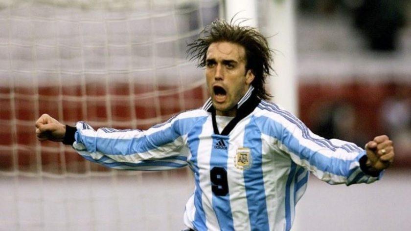 Gabriel-Batistuta-celebrates-goal