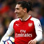 Barcelona and PSG battling for Arsenal right-back Hector Bellerin