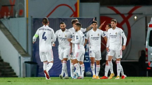 real madrid players celebrate goal against Inter milan