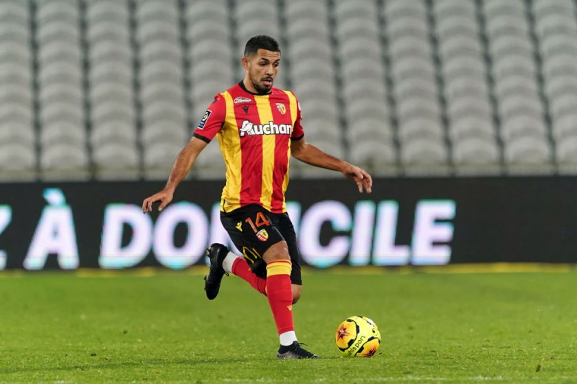 Facundo-Medina-could-join-manchester-united